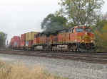 BNSF 5333 & 4965 charge east with 20G