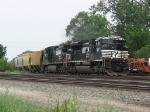 NS 2697 & 9284 roll east at 25mph with 16E