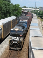 NS 9860 leads 145 west between 256 and J726