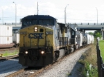 CSX 7682 leads Q642 into the yard