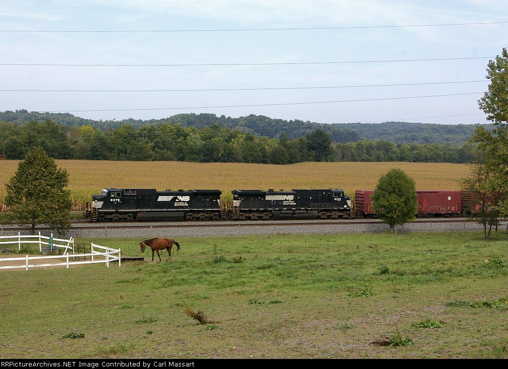 NS 8375 heads west