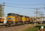 EMD and GE AC powered duo heads west with empty coal cars