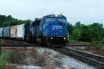 all conrail power pulls 156 into town