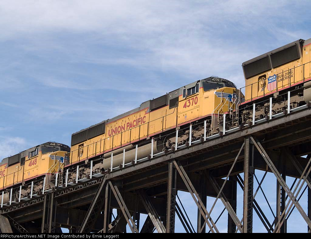 UP 4370 #2 power in an EB doublestack (ILCHO - Shops yard (LA) to Houston) at 1:12pm