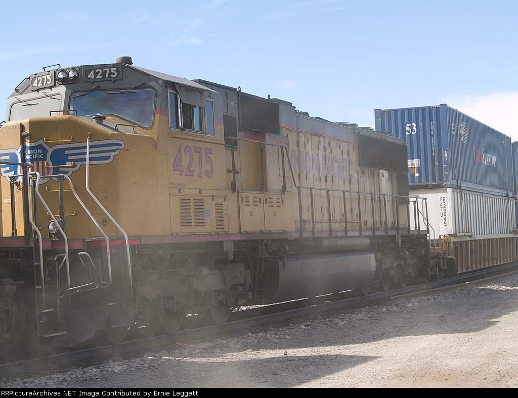 UP 4275 #3 power (stirring up dust) in an EB doublestack (KLAG1D - LA to Global one, Chicago) at 1:36pm