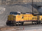 UP 9422 leads a WB manifest (MEWTU - Englewood, TX - Tucson) at 1:26pm