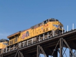 UP 7628 leads an EB manifest QWCEW (West Colton, CA - Englewood, TX) at 12:12pm