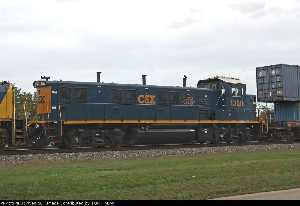 CSX 1300 on CSX Q151-06