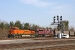 BNSF 5888 on NS 417