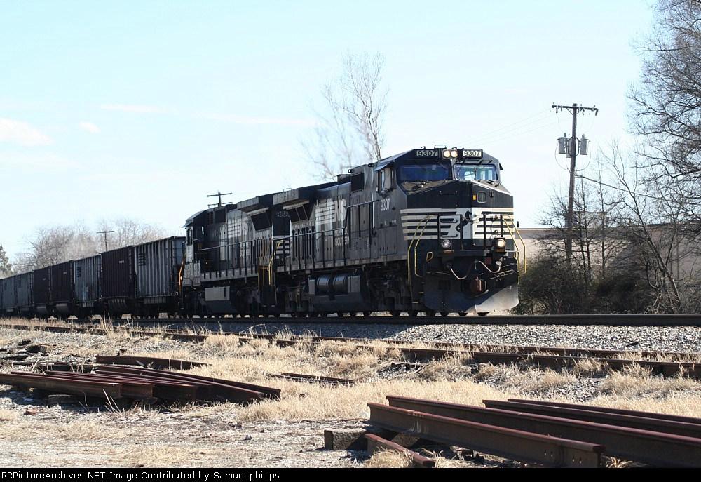 NS 825