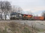 NS 9116 & KCS 4050 heading west with an intermodal
