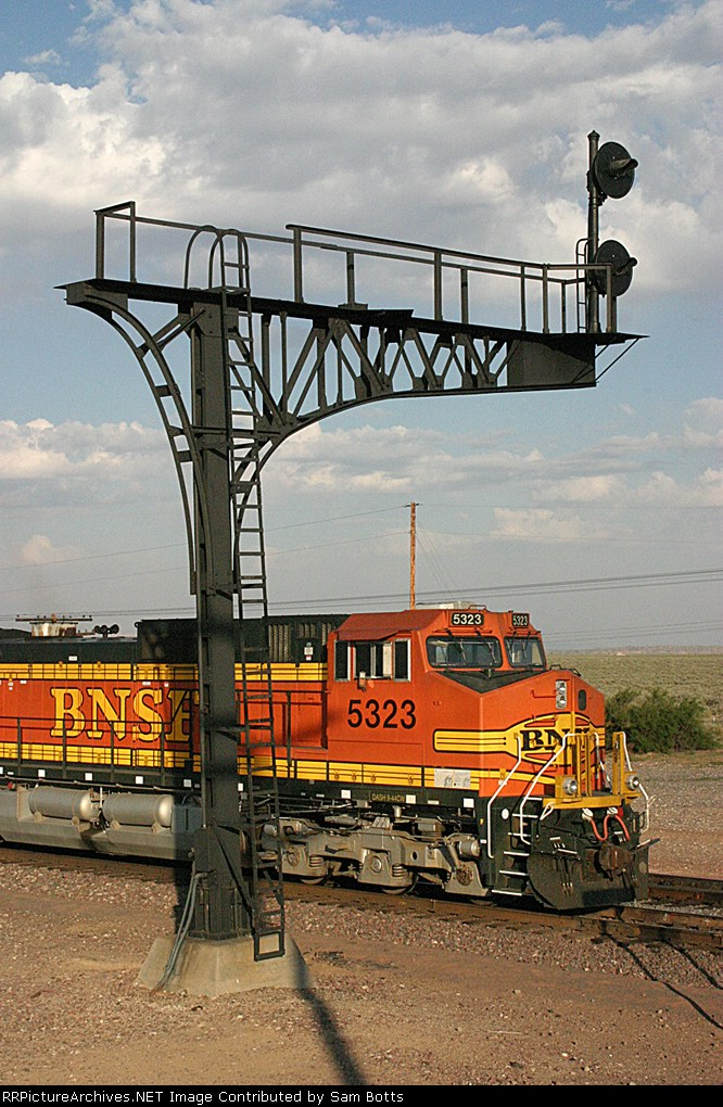 BNSF 5323