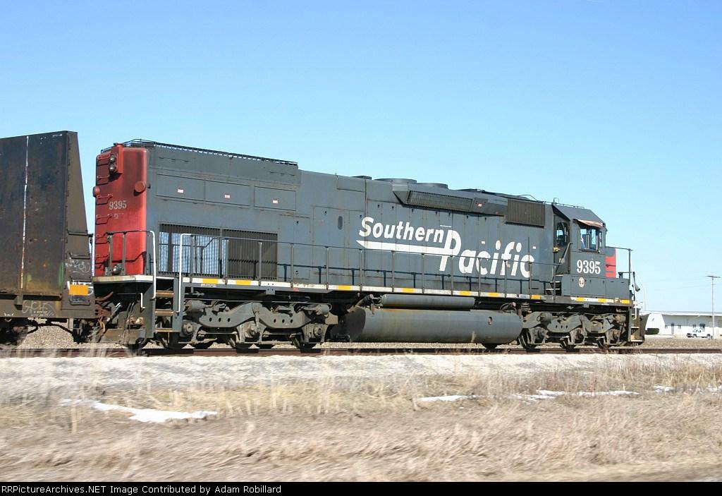 CEFX 9395 leads the TP&W windmill train through wide open Illinois