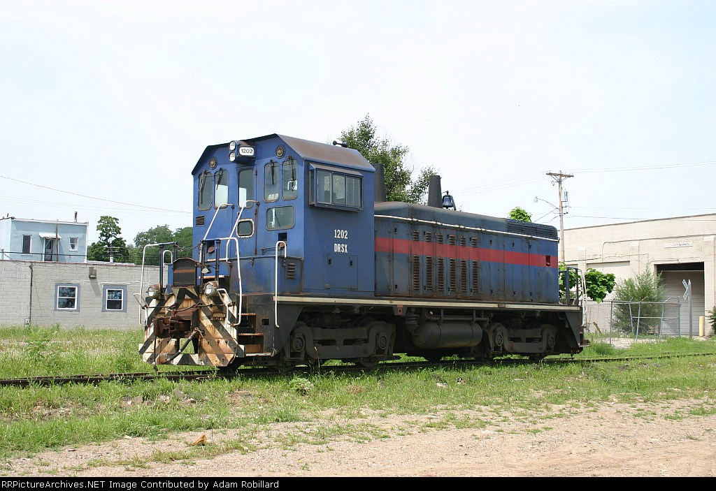 CIRY 1202 sits on the Kellar Branch in its now old paint