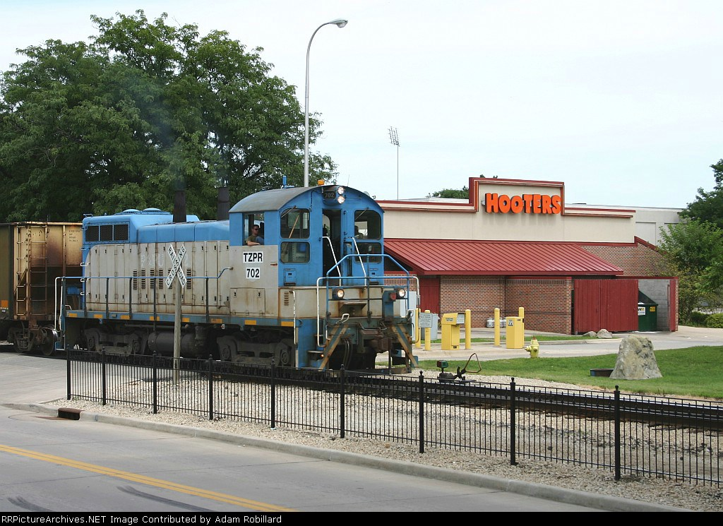 TZPR 702 and Hooters
