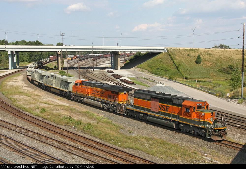 BNSF 6920 on NS 145