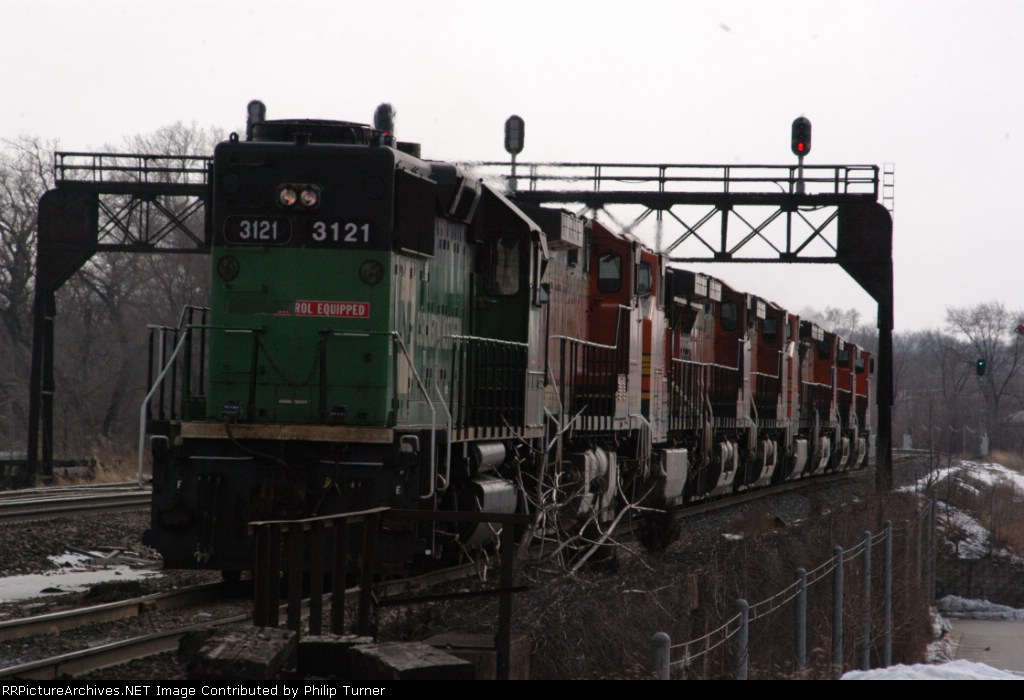 BN GP50 brings up the rear on this massive power move