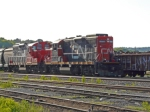 CN 7068 & CN 7076 IN THE HAMILTON YARD