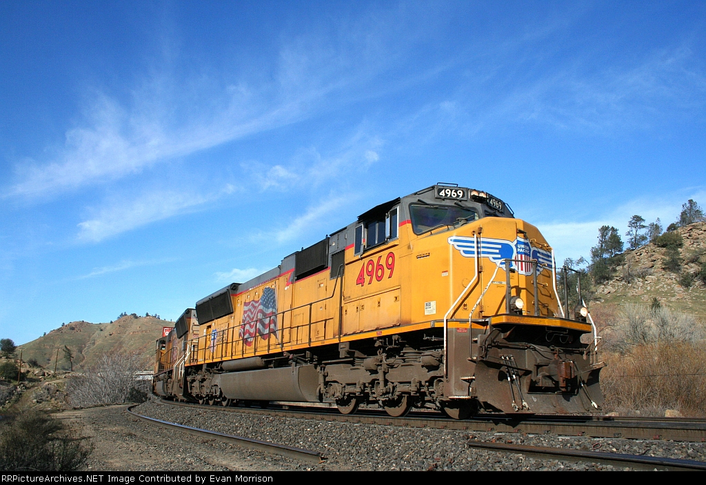 UP 4969 Leading The Lathrop