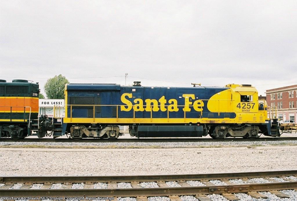 BNSF 4257