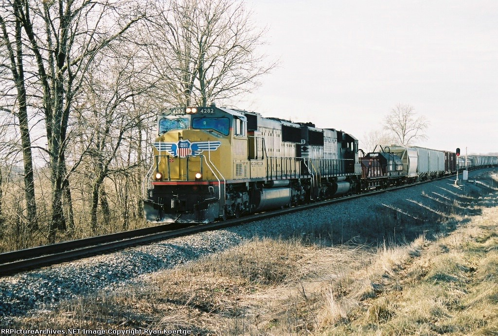 UP 4282 passes the 131