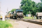 NS 2587 passes road crew at Bellmont