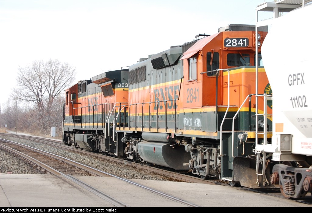 BNSF 8639 & 2841 (broken head?)