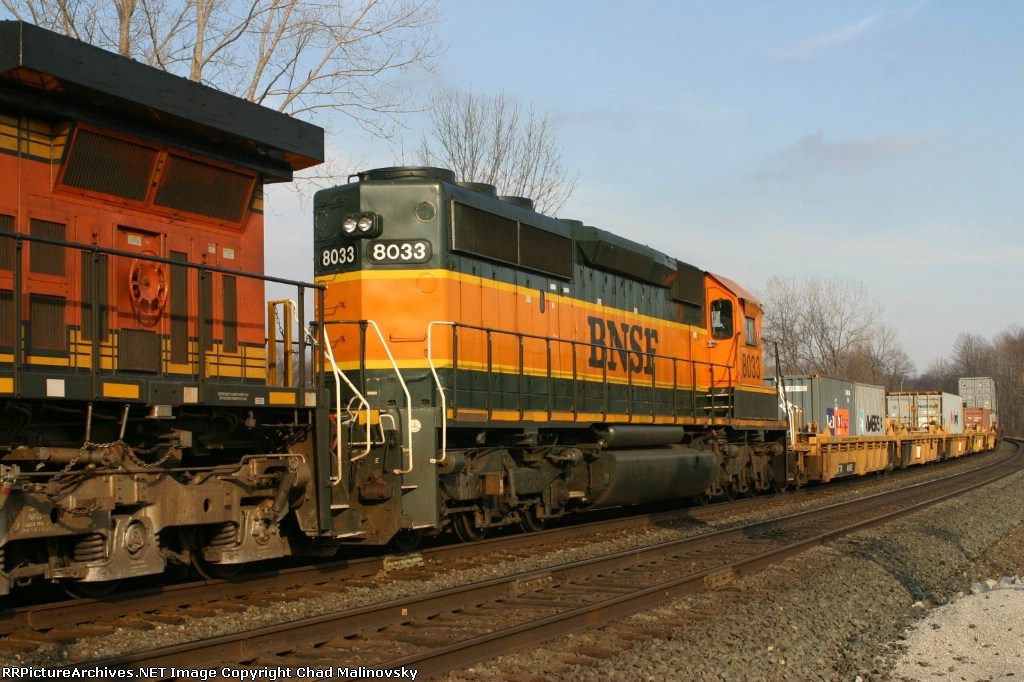 BNSF 8033