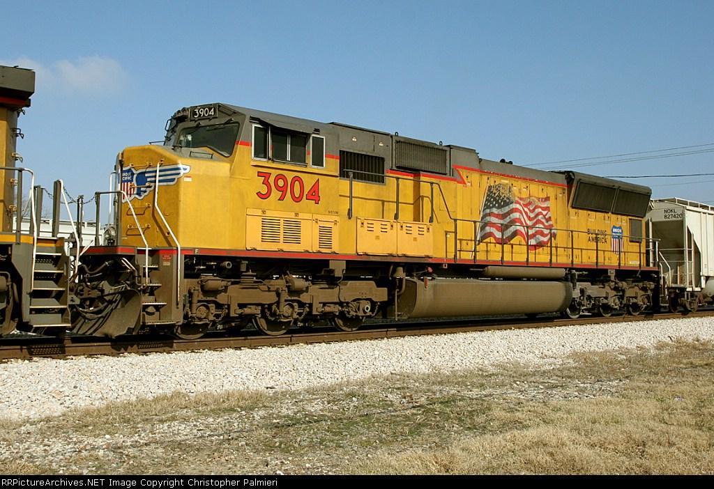 UP 3904