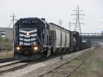 Z126 returns to Saginaw with 14 cars and 2052 in tow
