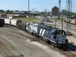 Z126 pulls out of the south end of the yard for headroom