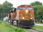 BNSF 5725 & 9380 head south as Z144 after spotting a coal train