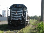1177 approaches Peavey to pull a loaded grain train