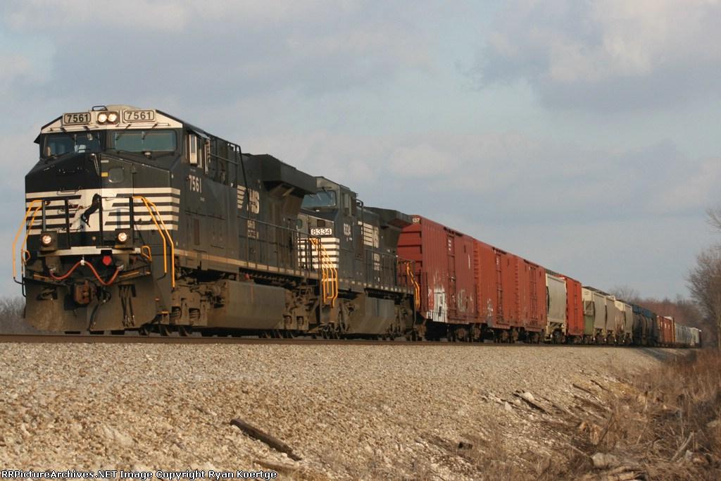 WB NS 7561
