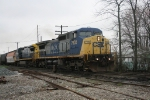 NB CSX 7902, 7355 crossing the diamond