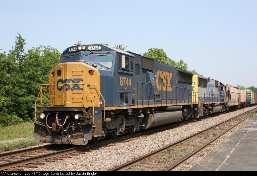 CSX 8744