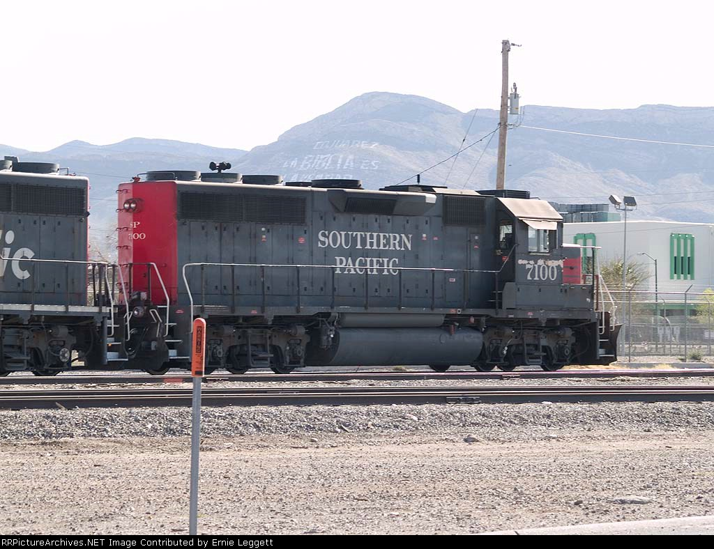 SP 7100 in the yard at 4:36pm
