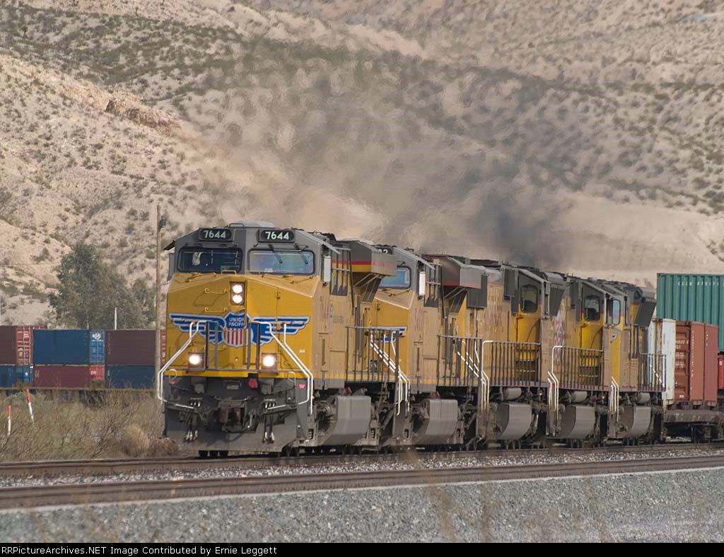 UP 7644 leads a WB doublestack at 4:09pm