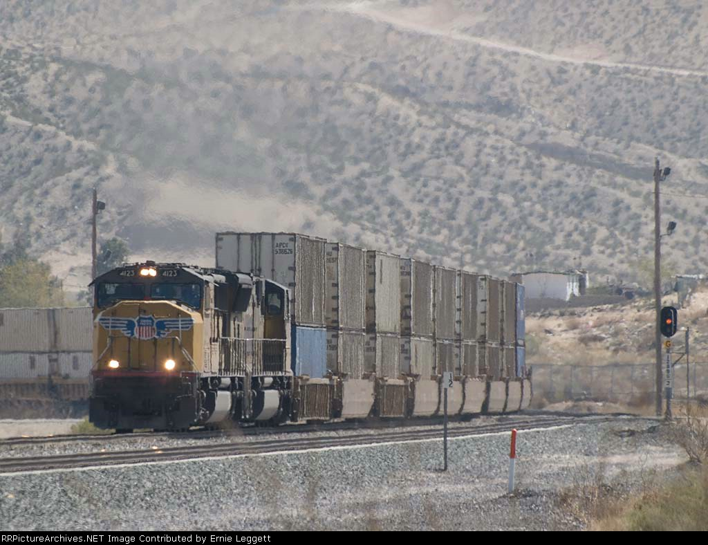UP 4123 leads a WB doublestack at 12:28pm