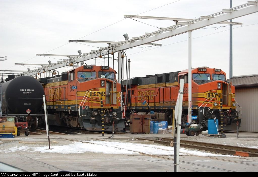 BNSF 502 & 7688
