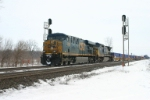 CSX 5282 west knocks down the signal