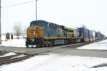 CSX 5499 on more Pacer stacks