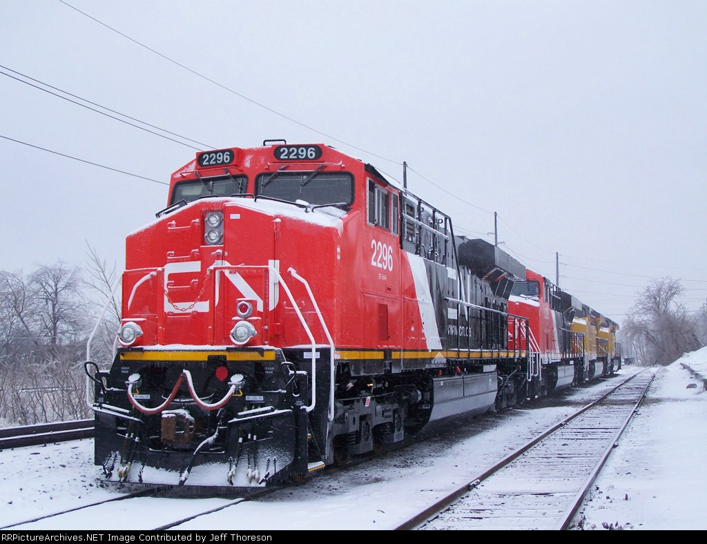 CN 2296