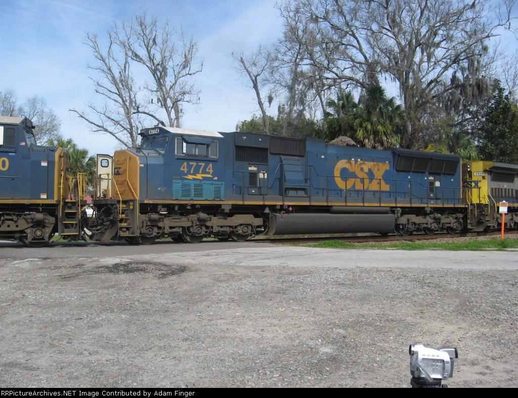 CSX 4774