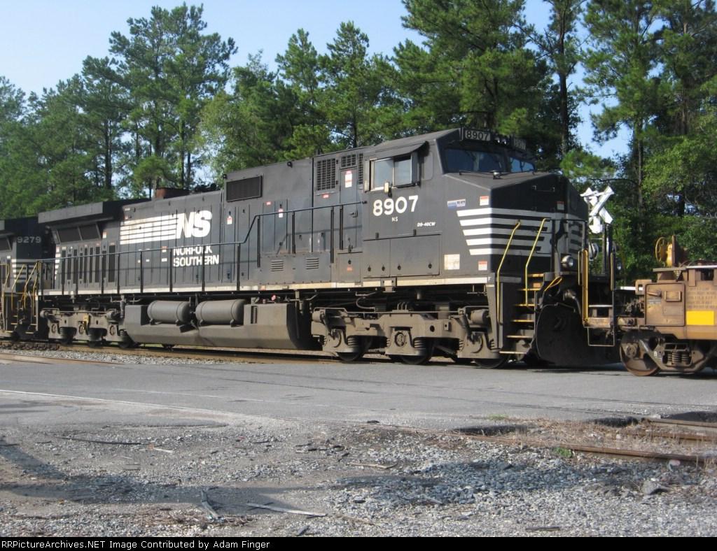 NS 8907