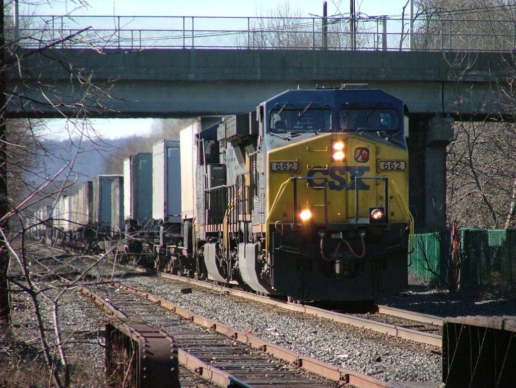 CSX 662 & CSX 153