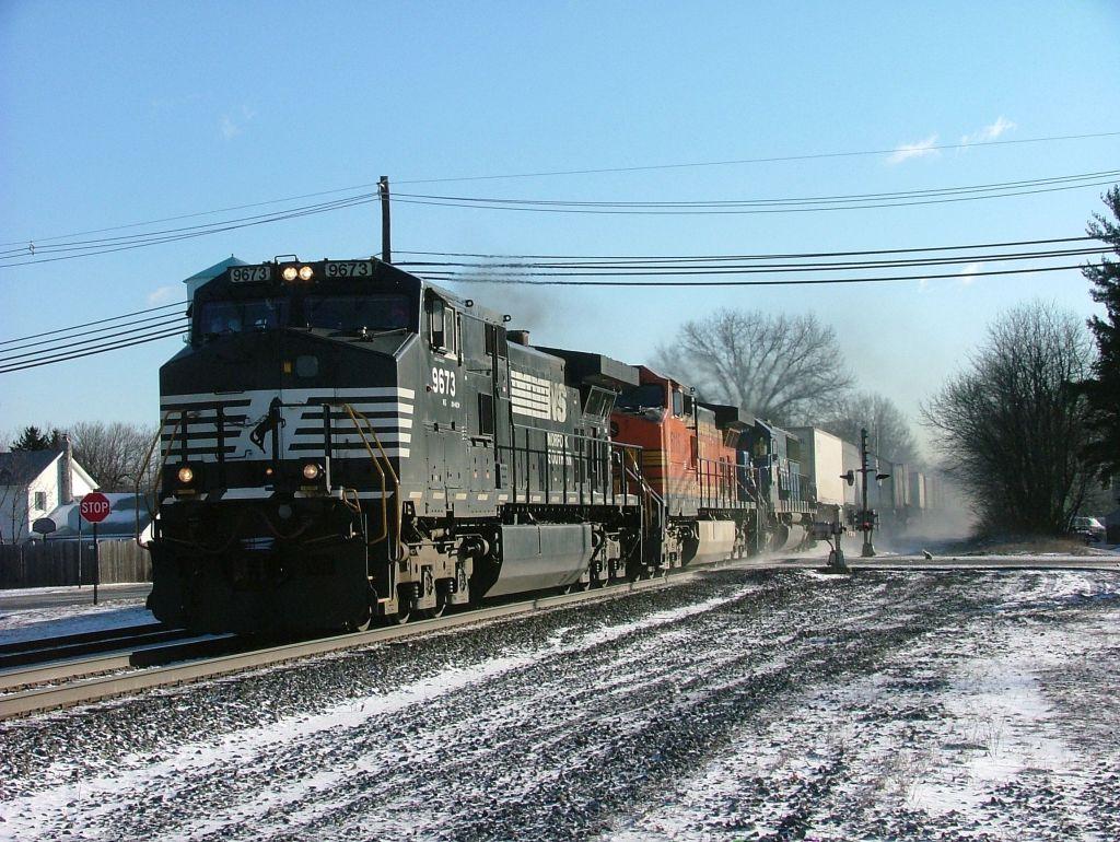 NS 9673 & BNSF 5115