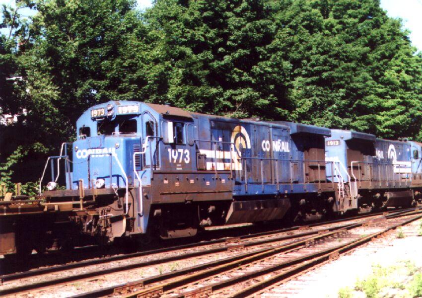 CR B23-7's on an intermodal