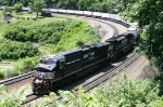NS 7571 Rolling east around the curve