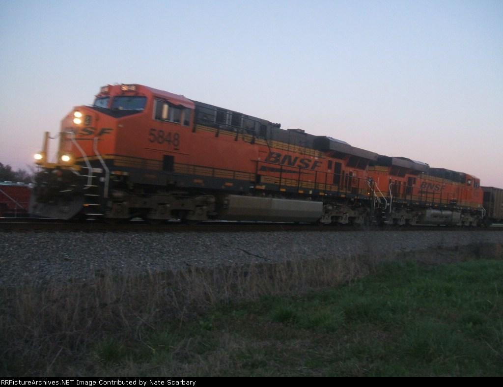 BNSF 5848 & BNSF 6133